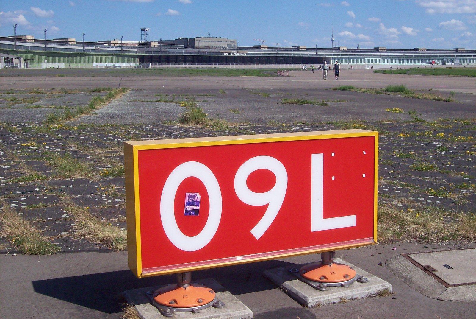 Flughafen Tempelhof - Bahn 09 L