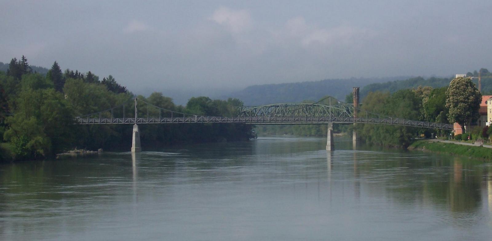 Eisenbahnbrücke über den Inn bei Passau
