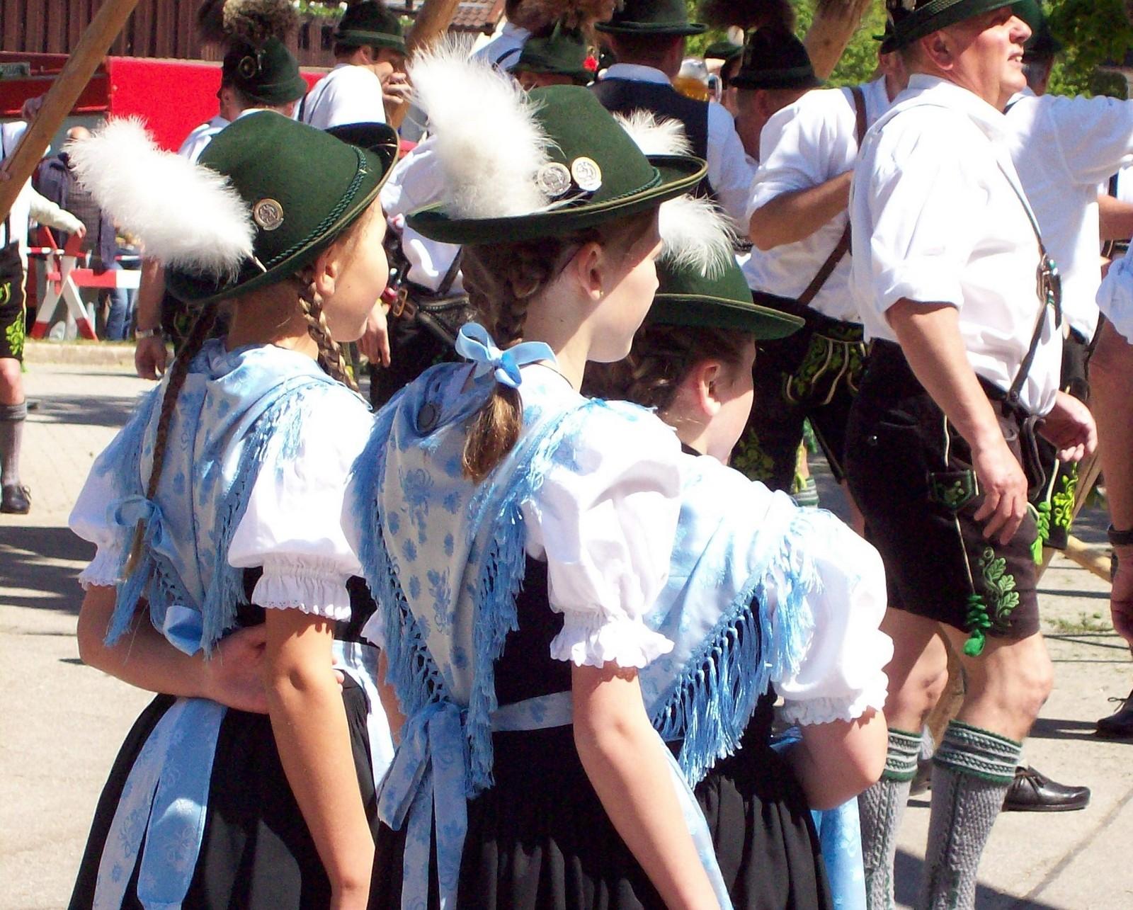 """die Mädchen des GTEV """"D'Kranzlstoana"""" - Karlstein 2007"""