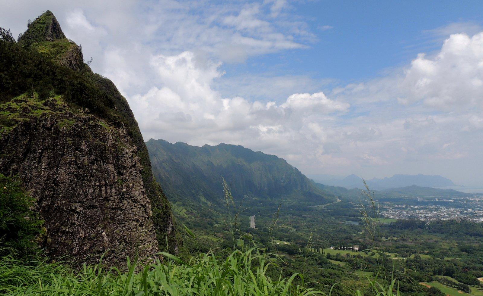 Nu'uanu Pali Lookout - Oahu