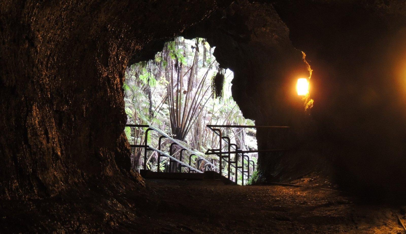 Lava Tube auf Hawaii