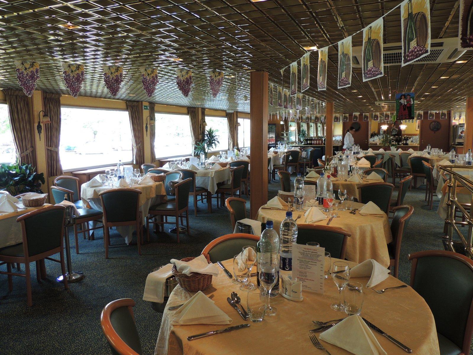 MS Leonardo da Vinci auf dem Rhein - Restaurant