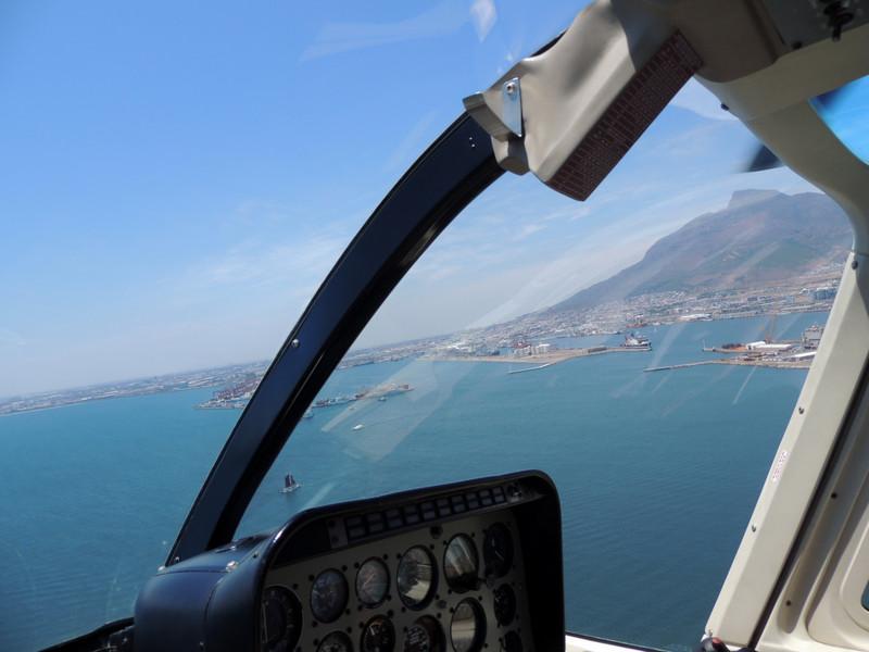 Der Hafen von Kapstadt vom Hubschrauber aus