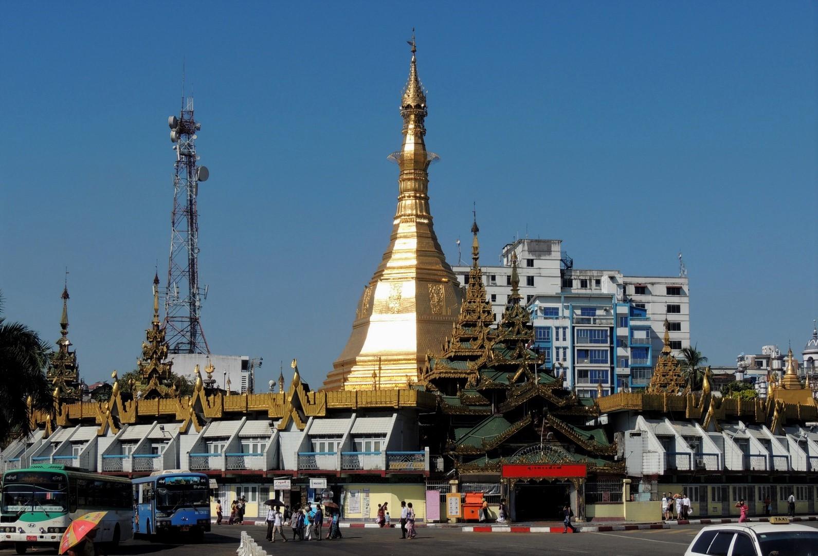 Sule Pagode in Rangun / Burma