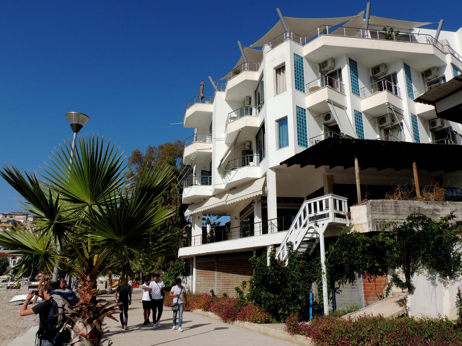 Hotel Titania mit Strandpromenade - Saranda in Albanien
