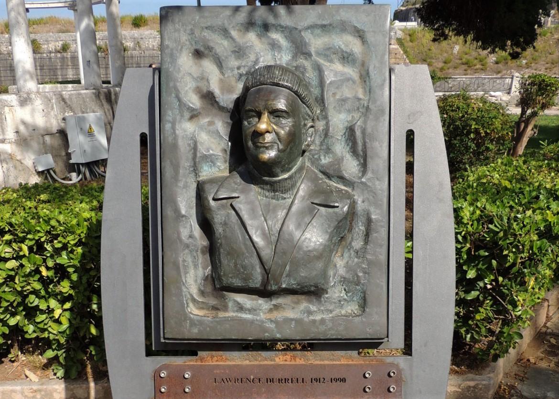 Denkmal von Lawrence Durrell auf Korfu