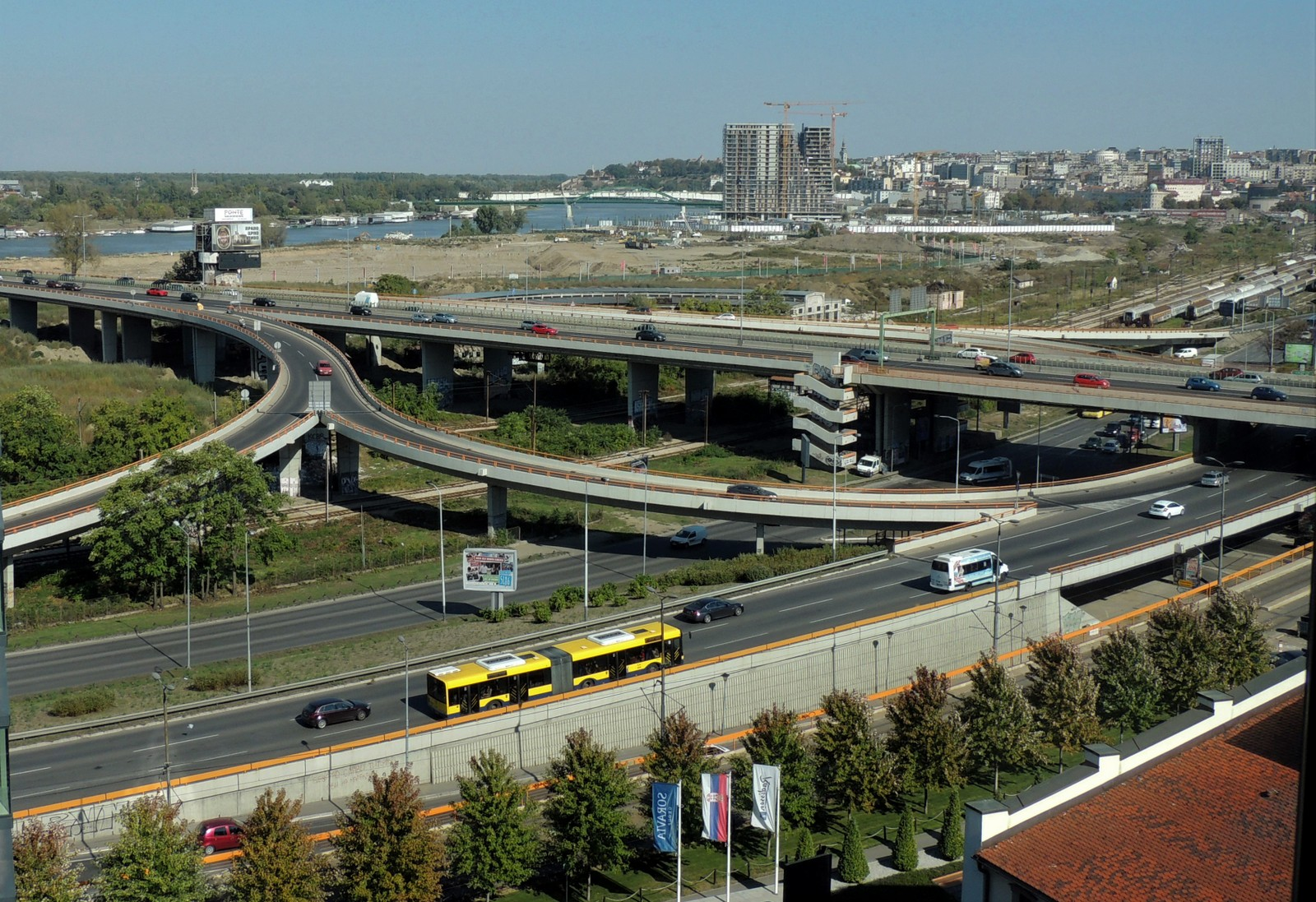 Autoput - die Savebrücke in Belgrad
