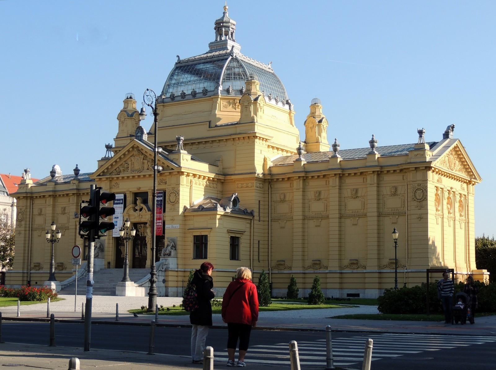 Entlang des Autoput - Kunstpavillon in Zagreb