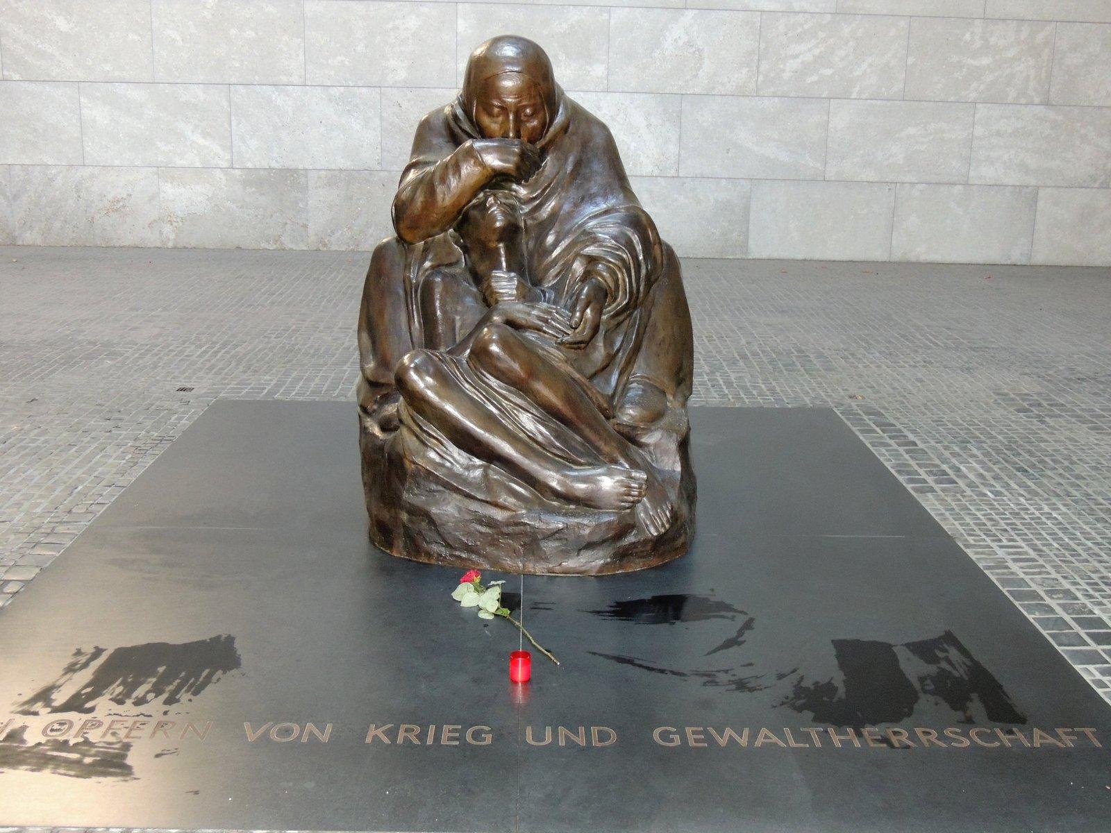 Pietà von Käthe Kollwitz in der Neuen Wache