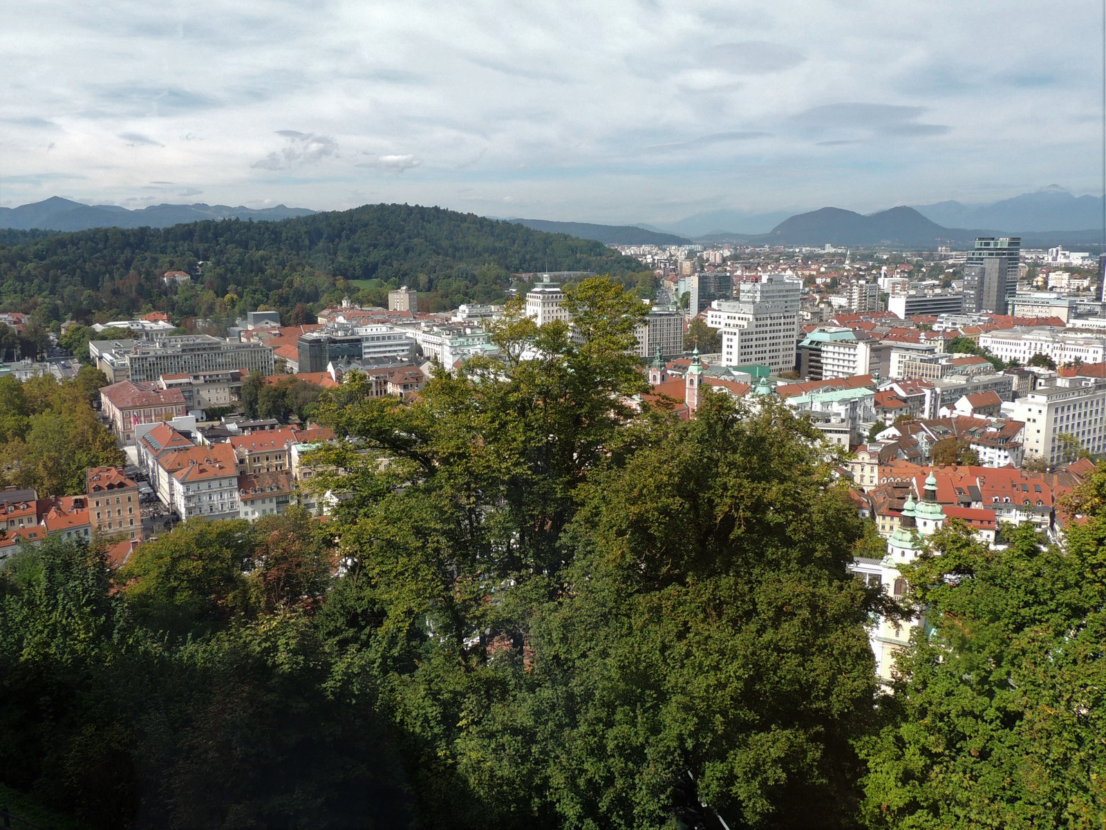 Ljubljana mit den Julischen Alpen