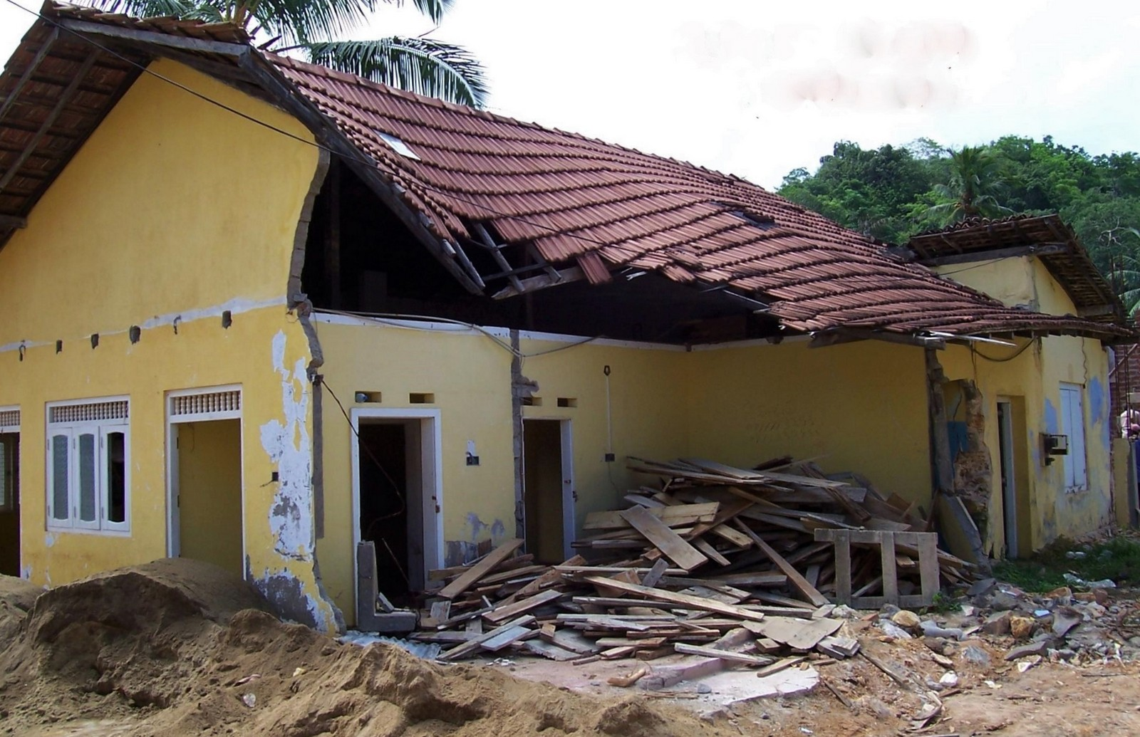 Tsunami-Ruine bei Galle