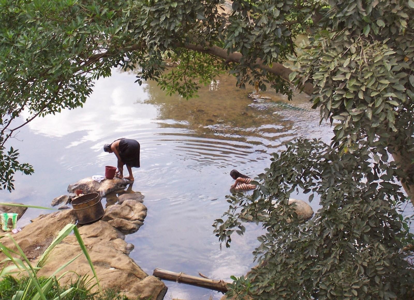 Badulu Fluss im Hochland von Ceylon