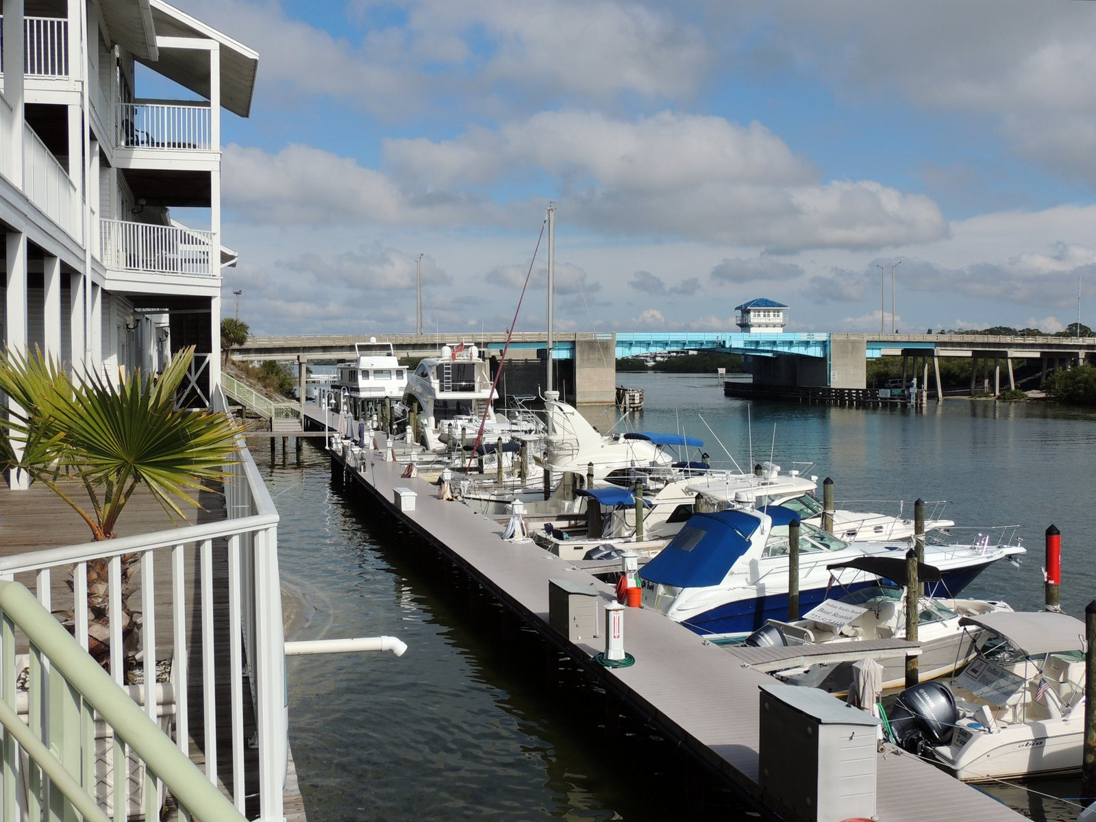 Holiday Inn Hotel & Suites Harbourside Clearwater South