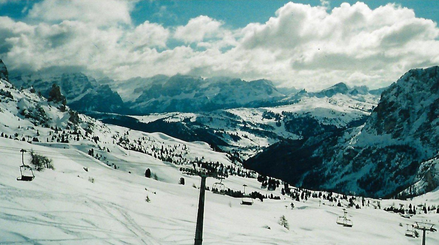 Skigebiet Grödnertal - Abfahrt vom Grödnerjoch nach Kolfuschg