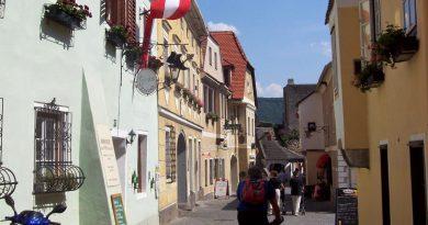 Die Wachau auf dem Donauradweg entdecken