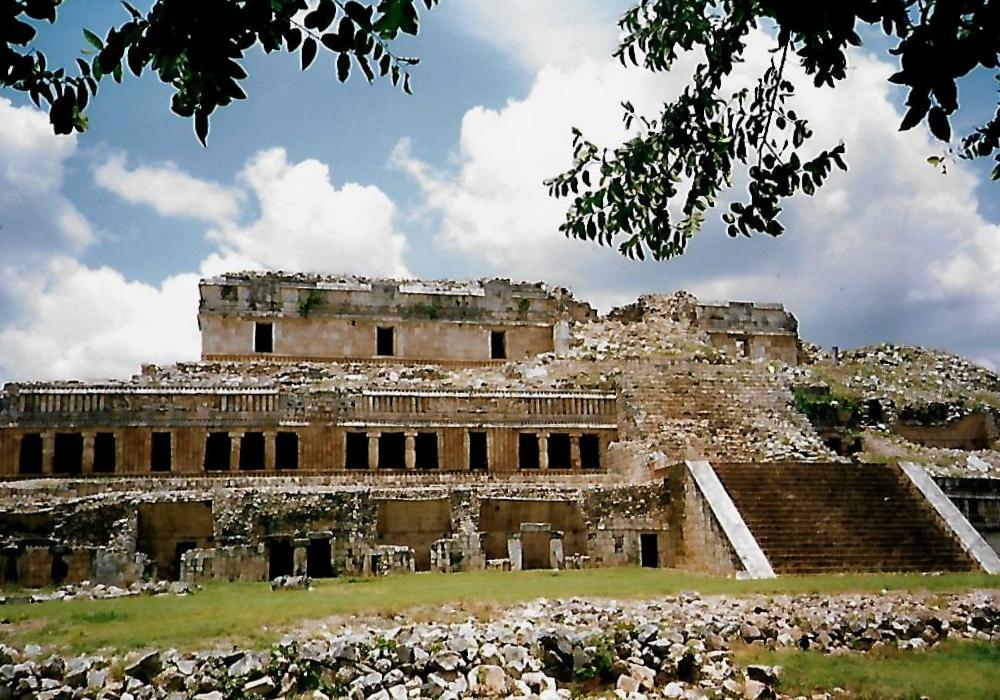 Der Große Palast von Sayil - Mexiko