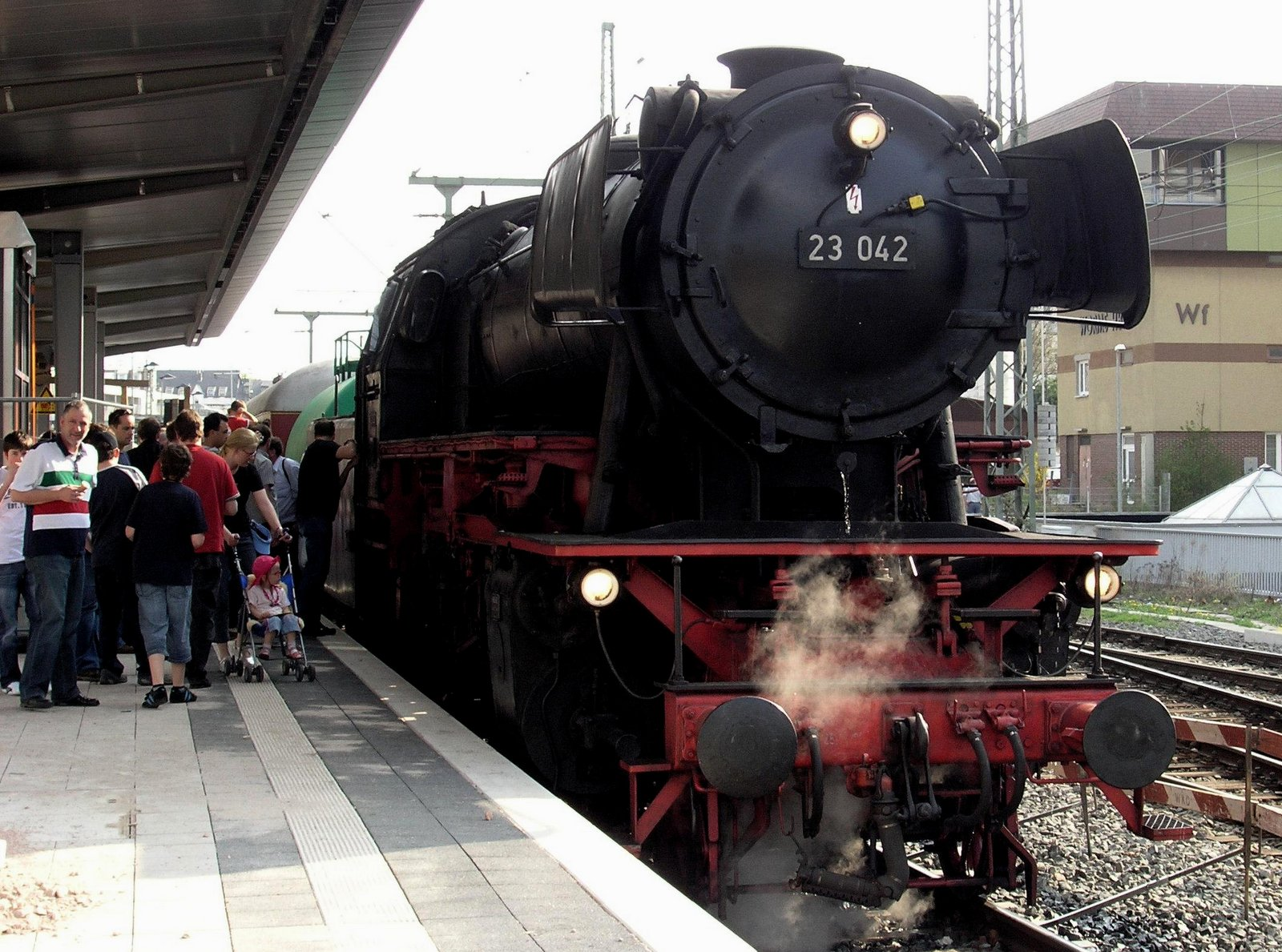 Dampflokomotive 23042 in Worms